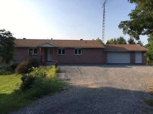 3 Bedroom Lakefront House for Rent