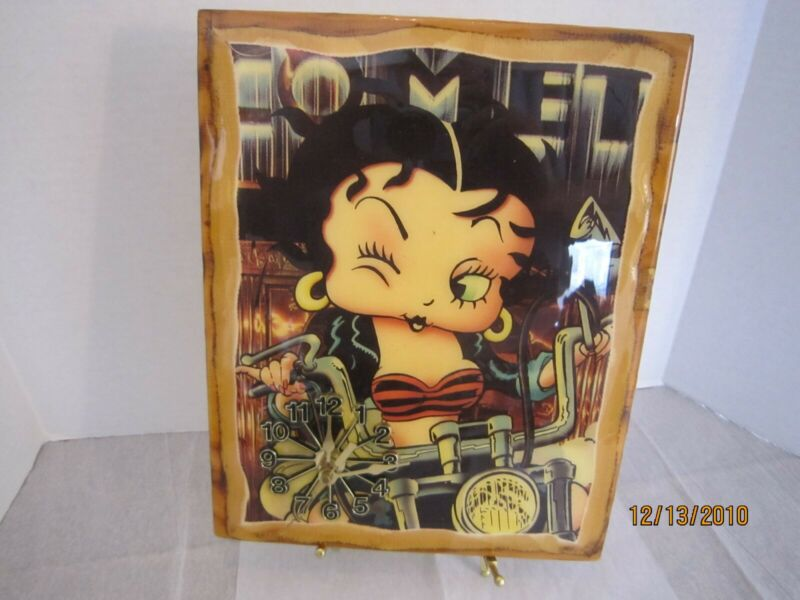 Vintage Betty Boop Wooden Wall Clock  Nice Collectible Works
