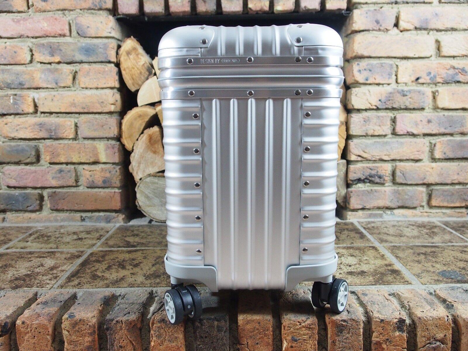 rimowa pilot multiwheel aluminium new 92351004 cad 1 picclick ca. Black Bedroom Furniture Sets. Home Design Ideas