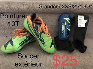 Kid's soccer shoes and shin guard