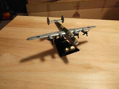 Motormax Classics B-24 Liberator Diecast 1/500 Scale in Original Packaging