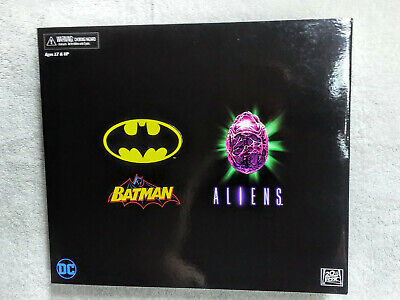 Neca NYCC Batman and Joker Alien 2019 New and Sealed
