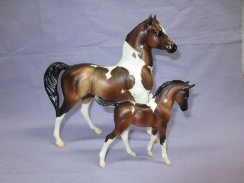 Breyer Web Special Classic 2015 Julien and Sophia pinto Arabian stallion & foal