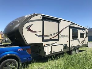 2014 Fifthwheel Crusader 295RST, 3 extensions, 32 pieds