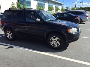 2003 Ford Escape 4x4 Limited Edition for parts or repair