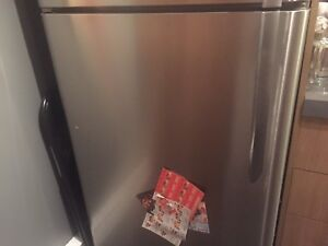 2015 Maytag Stainless Steel Fridge **MOVING SALE**