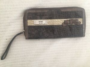 GUESS clutch wallet - as new!