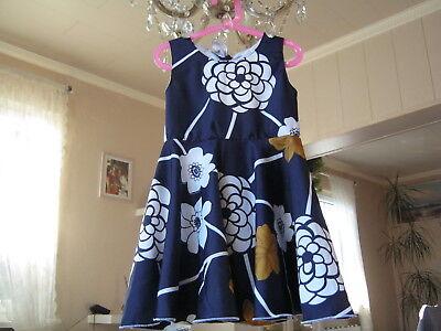 glockenrock dunkelblau Blumendesign (Blume Mädchen Kleid Designs)
