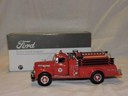 TEXACO GASOLINE FIRST GEAR 1951 FORD PUMPER FIRE TRUCK 1/34 DIE-CAST