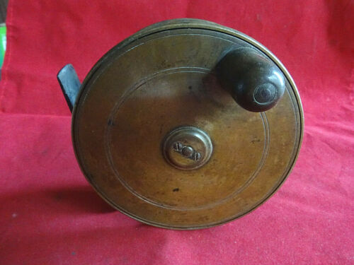 """A NICE EARLY UNNAMED REUBEN HEATON BUILT VINTAGE 4 1/4"""" BRASS SALMON FLY REEL"""