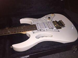 Guitar for sale  Edmonton Edmonton Area image 1