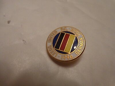 CLASSIC LEEDS UNITED 1996 SUPPORTERS CLUB GERMAN TOUR ENAMEL FOOTBALL BADGE