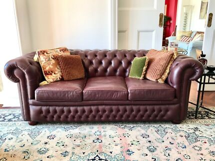 Chesterfield 3 Seater Lounge / Sofa Bed