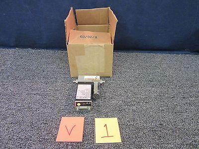 Brooks Instrument Mass Flow Controller Valve Meter Sensor Sla5850s1bab6b1a1