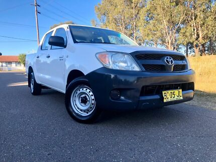 2005 Toyota Hilux SR White Dual Cab 5 Speed Automatic Ute 6months Rego Liverpool Liverpool Area Preview