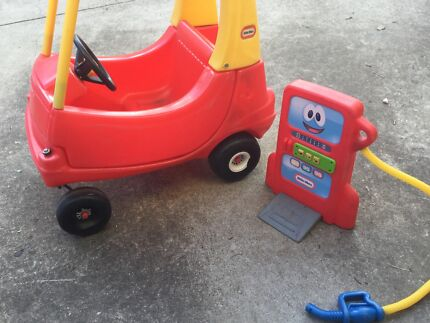 Little Tikes car and petrol