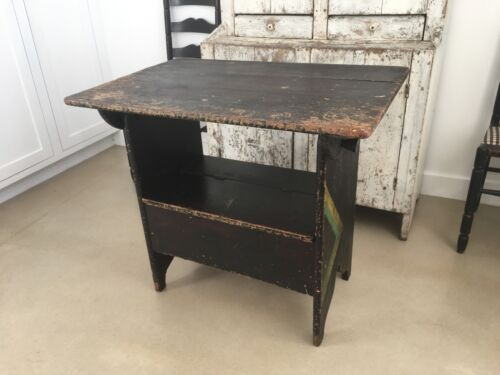 AAFA ANTIQUE WOOD TILT TOP RARE SMALL HARVEST FARM TABLE BLACK ALLIGATOR PAINT