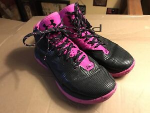 Women running shoes 7 - Under Armour 3/4 top basketball shoes
