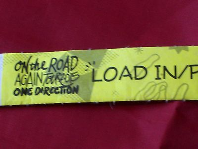 1D ONE DIRECTION BACKSTAGE CREW WRISTBAND PASS ON THE ROAD AGAIN TOUR 2015