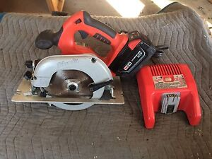 scies circulaire milwaukee m28 28 volts