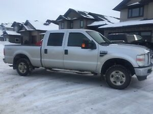 2010 Ford F-250 XLT         4X4 Crew  Price Reduced