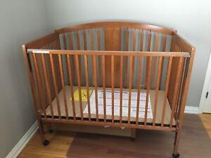 Crib ( Excellent condition)