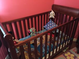 Baby crib! With mattress. Very good condition!