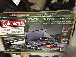 Coleman Stove with 2 propane tanks