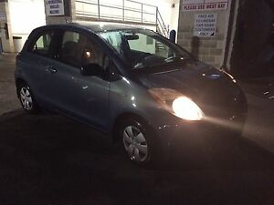 2007 Toyota Yaris - LOW km Very Clean