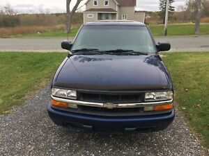 2000 CHEVY S-10!!!! VERY LOW MILEAGE!!!! GREAT TRUCK!!!
