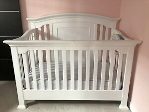 Baby Cachet crib/dresser/converter and mattress
