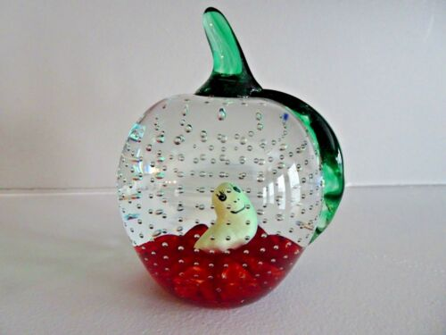 Gibson Art Glass SULPHIDE WORM in APPLE Paperweight Controlled Bubble
