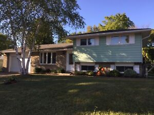 Port Elgin Family Home - Newly Renovated!