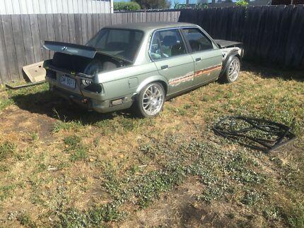 Wrecking 323i BMW E30
