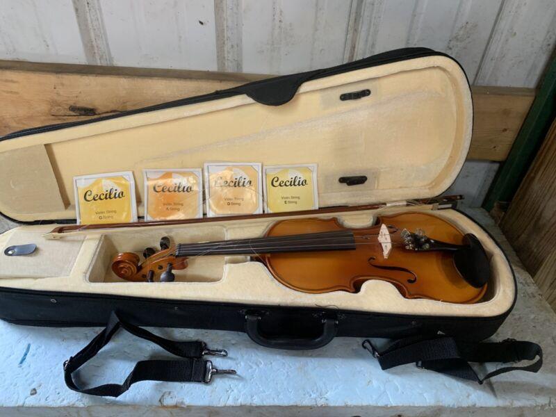 Cecilio CVN-300 3 Quarter Size Solid Wood Violin W/ Case & Extra Strings