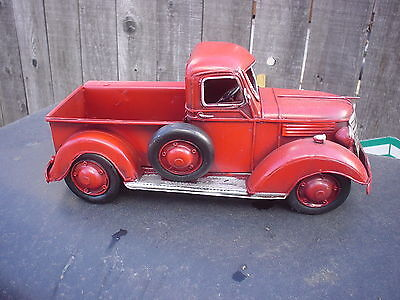VINTAGE LOOKING LARGE METAL RED 1940'S?? FORD / CHEVY GMC ?. PICKUP TRUCK