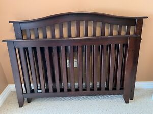 Pali Crib with brand new in box conversion kit