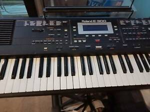 Roland Keyboard with stand and manual | Keyboards & Pianos | Gumtree