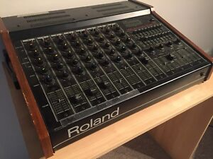 Roland PA-250 Mixer