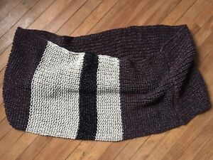 Large comfy Roots infinity scarf like new!