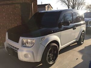 2004 AWD EX Honda Element -WILL SELL SAFTIED FOR SERIOUS BUYER
