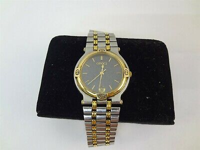 Gucci 9000M 32mm Mens Two Tone Gold Plated Stainless Steel Quartz Watch