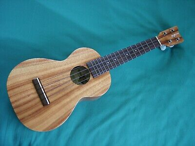 Kamaka HF-2 Concert Koa Ukulele in MINT Condition