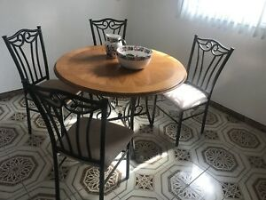 Dinette/breakfast table with chairs