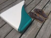 Lost! Boat cushion/seat Cobconk - Rosedale area