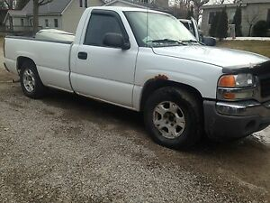GMC Sierra 2005 reg can 8 foot box