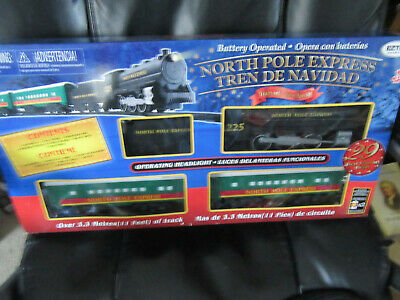 EzTec North Pole Express Christmas Train Set Battery Operated 11' track 29pc New