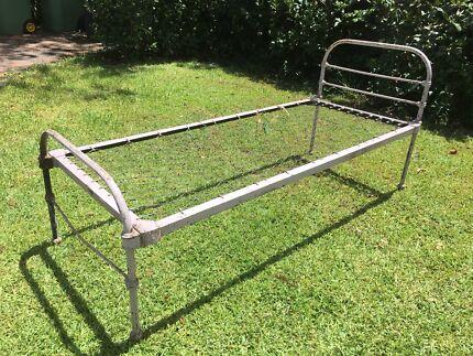 Antique single  iron bed