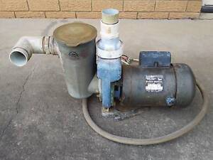 CROMPTON PARKINSON 1.25HP 240V AC MOTOR WITH WATER/POOL/FIRE PUMP.