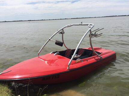 FOR QUICK SALE! 351 CLEVELAND SPEED BOAT